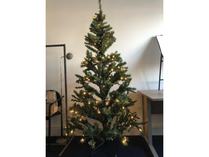 Vánoční stromek 210cm včetně osvětlení